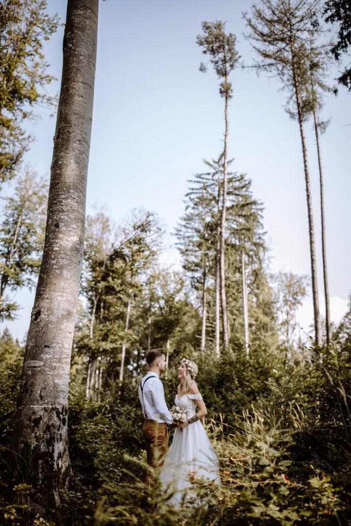 Einmalige Hochzeitsfotos im Wald in der Nähe vom Ammersee